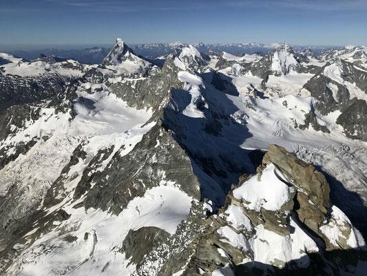 """Kann man nicht von vielen Gipfeln: """"runterschauen"""" aufs Matterhorn."""