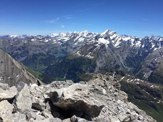 Blick ostwärts vom Gipfel des Vorder Loners.