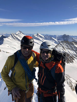 Zwei Glückliche Bergsteiger.