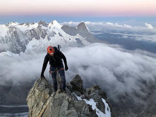 Morgenstimmung beim Aufstieg aufs Schreckhorn.