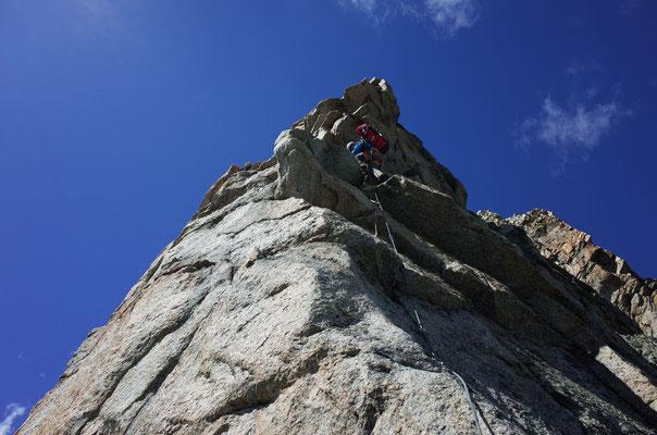 In einfacherem, sehr schönen Fels dem Pointe Bich entgegen.