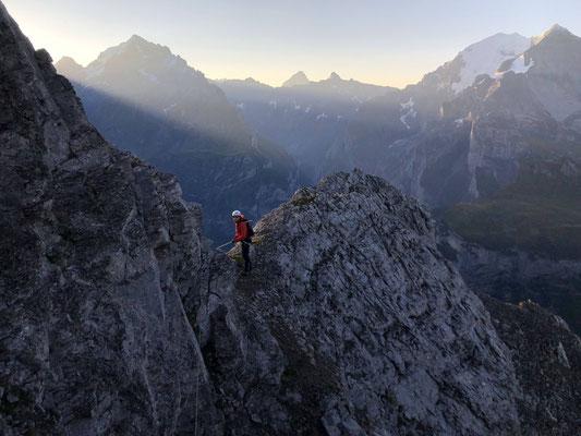 Abstieg vom Chlyne Loner Richtung Bunderchrinde.