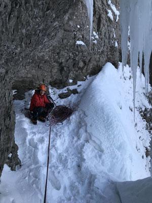 Kein Platzmangel: In der Höhle des zweiten Eisstands.