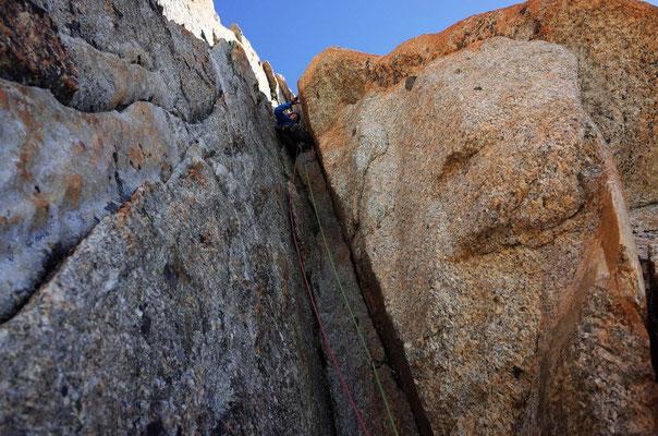 Brian im Kamin der 4. Länge