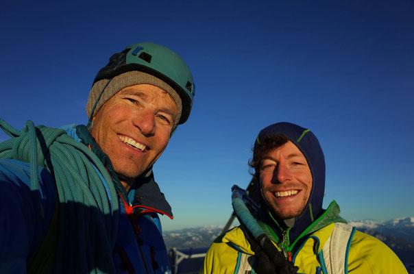Glückliche Gesichter auf dem Gipfel.