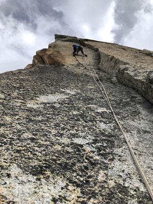 Diese fordert die Kletterer mit einem Fingerriss.