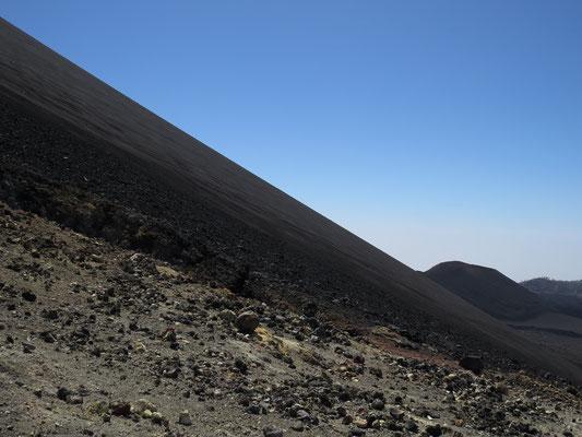 Marche à flan du grand volcan.