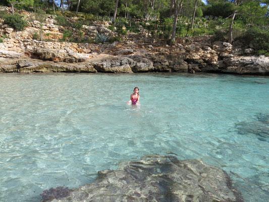Pas besoin de piscine le fond de la Cala Mitjana est parfait