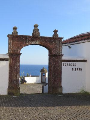 Fort de Sao Bras construit pour défendre l'île des attaques de corsaires