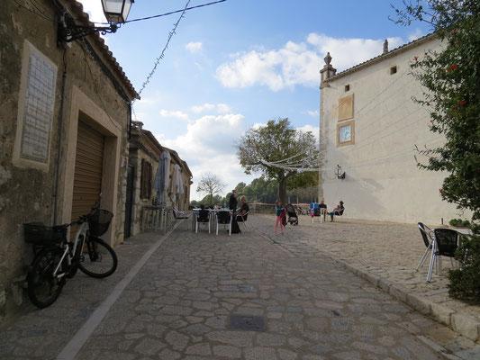 Petit restaurant de la paroisse à Galilea