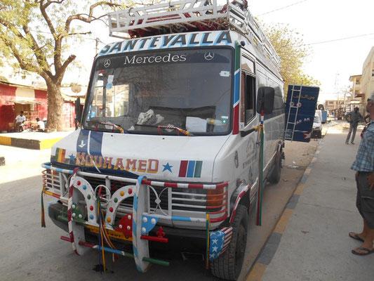 Avec un camion bien décoré la route est plus sûre ;)