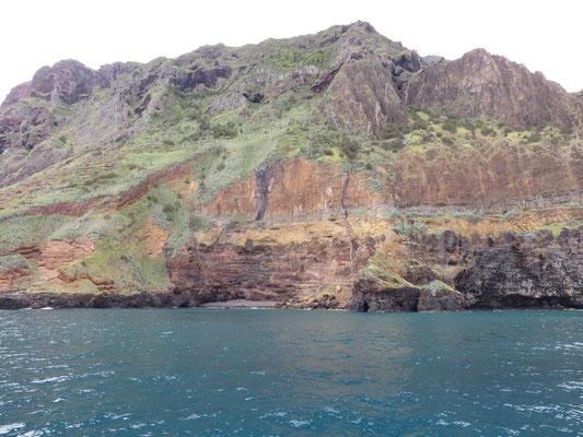 Petite baie près de Ponta do Castelo