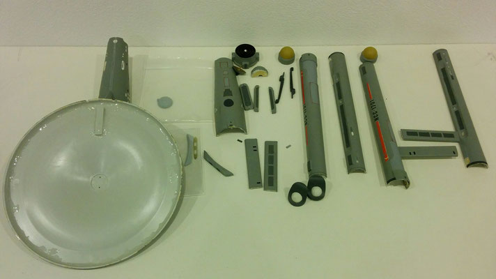 Die zerlegten Teile des AMT/Ertl Enterprise Kits