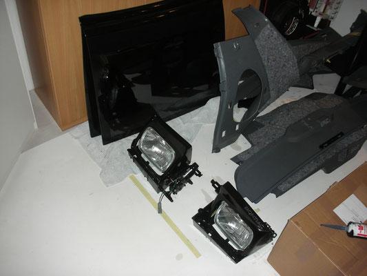 Klappscheinwerfer-Einheiten, T-Top und Innenverkleidungen