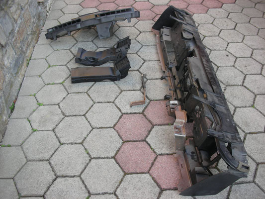Armaturenträger und Luftkanäle