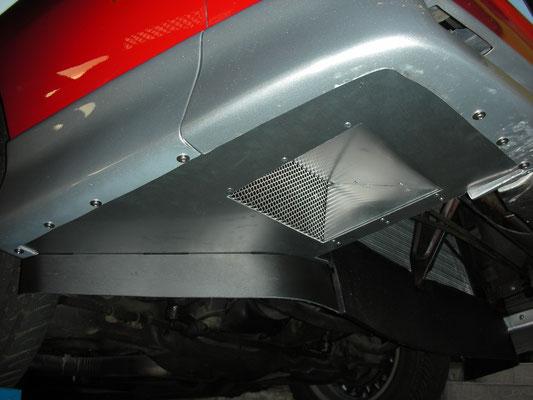Custom Airdam, mit Öffnung zur Luftanströmung zum Zusatz-Getriebeölkühler
