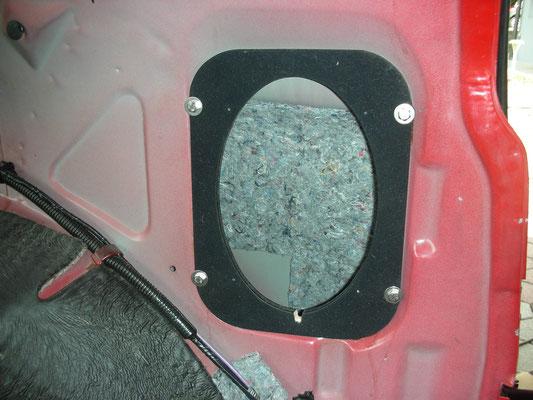 Innenraum Dämm-Matten hinter den hinteren Lautsprechern