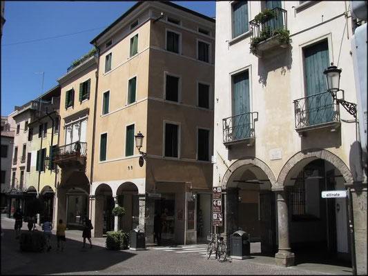 Borgo Altinate 3