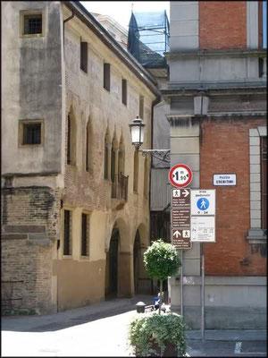 Borgo Altinate 9