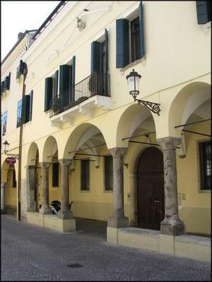 Borgo Altinate 5