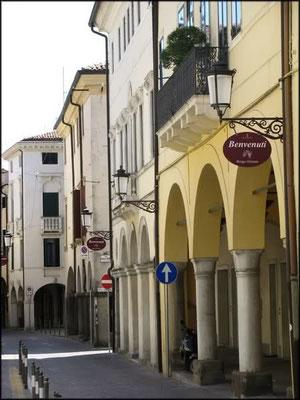 Borgo Altinate 6