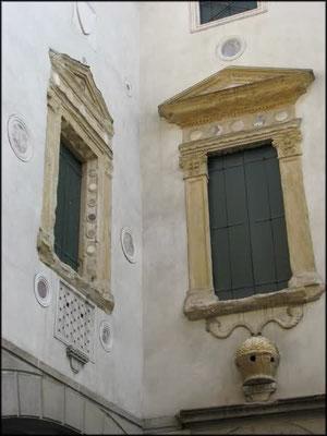 Casa degli Specchi 1