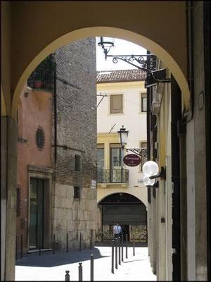 Borgo Altinate 1