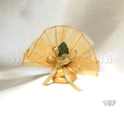 N°15F    CIUFFO ORO  ciuffo oro con tulle bordato lamè oro,4 confetti oro, fiore oro, foglia, nastro oro lamè  €3,50