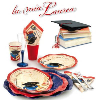 piatti bicchieri tovaglioli con simbolo laurea piattini da 10 pezzi € 3,60, i tovaglioli da 20 pezzi € 3,80, i bicchieri da 10 pezzi € 3,00