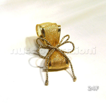 N°24F                                 BALZE ORO  balze oro, 5 confetti oro avvolti in tulle e nastro a balze lamè dorato,cordino dorato                €2,70