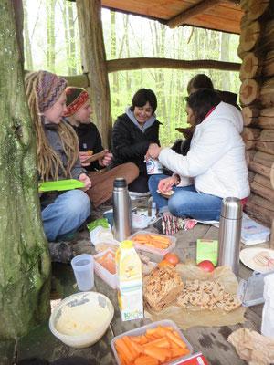 Obwohl man dann wohl nicht zu unserem leckeren Picknick im Baumhaus eingeladen worden wäre.