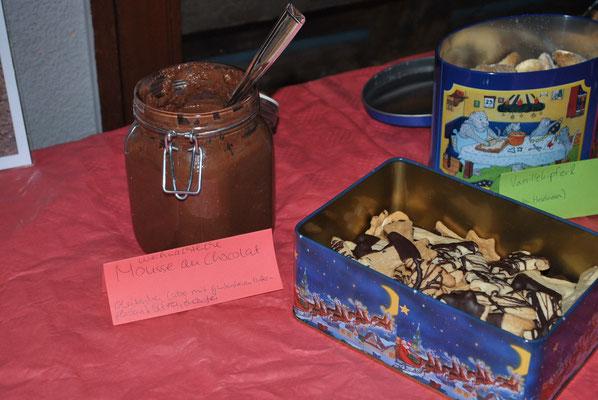 weihnachtliches Mousse au Chocolat und Ausgestochenes mit Schoki oder Aqua Faba
