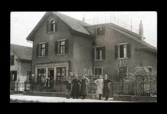Fotografie ca. 1915,     Konsumgenossenschaft Töss und Ungebung - Verkaufslokal an der Kernstrasse 8