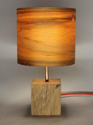 Upcycling Tischlampe Alea mit Echtholzfurnierschirm Tulipier