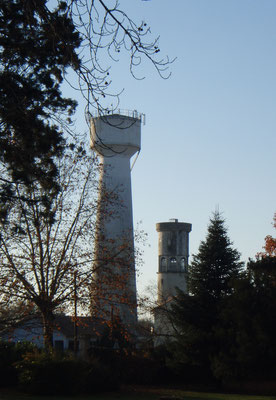 Ancien et nouveau château d'eau de Podensac