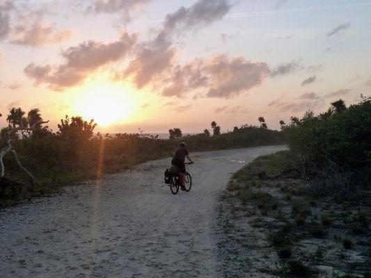 Der Cloudburst 25l Rucksack hat uns schon bei diversen Abenteuern begleitet: z.B. beim Bikepacking in Kuba