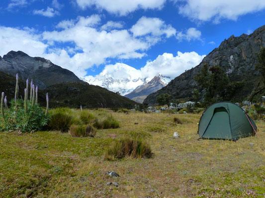 Wunderschöner Campingplatz auf der Hochebene vor dem Schlussaufstieg zur Lagune