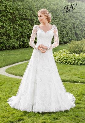 Brautkleider mit langen Armen viel Spitze hohe Qualität tiefer Rücken Tattoospitze mit Trägernsehr elegant Königin Brautmode myLovely Lounge