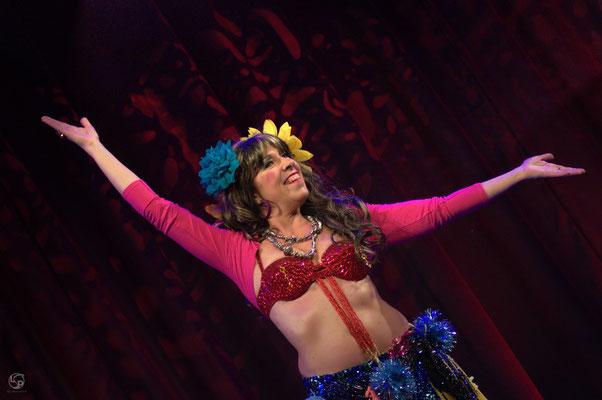 Oriental Rainbow Show - Kufa Krefeld - Comedy - Praktikum auf orientalisch - Bellasana - Lady-Sahmara-Photo - Kerstin Ellinghoven/Samara Blue - Fotografin Krefeld