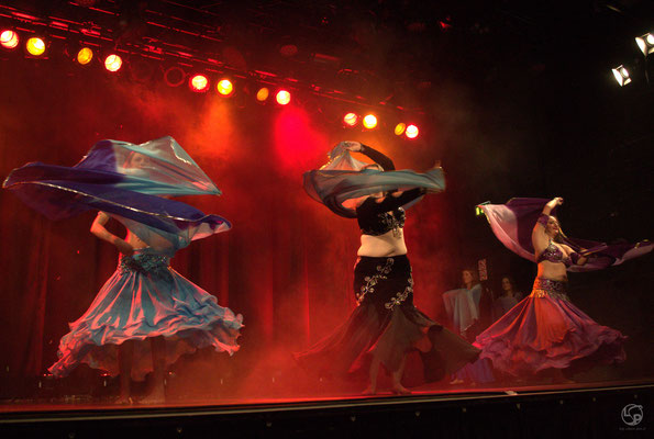 Oriental Rainbow Show - Kufa Krefeld - Schleiertanz- orientalischer Tanz - Lady-Sahmara-Photo - Kerstin Ellinghoven/Samara Blue - Fotografin Krefeld