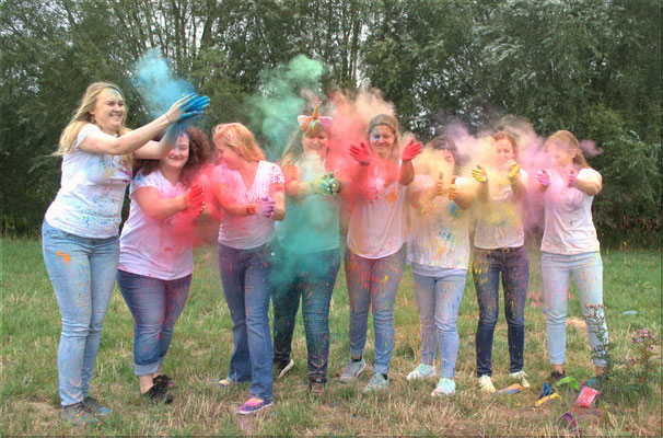 Junggesellinnen Abschied - Holi - Party - Fotografin in Krefeld - Samara Blue - Lady-Sahmara-Photo - Kerstin Ellinghoven