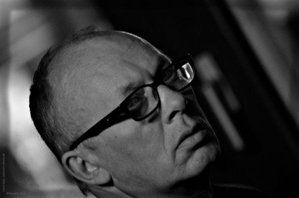 Frank Hölz, Schauspieler, Regisseur, Musiker, Autor, Porträt, schwarz weiß, Kerstin Ellinghoven/Samara Blue - Fotografin in Krefeld