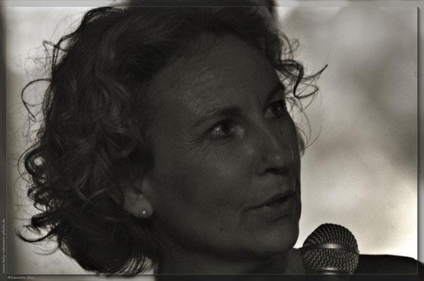 Pörträt Schriftstellerin, Anja Liedke, Bowies Butler, Lady-Sahmara-Photo - Kerstin Ellinghoven/Samara Blue - Fotografin in Krefeld