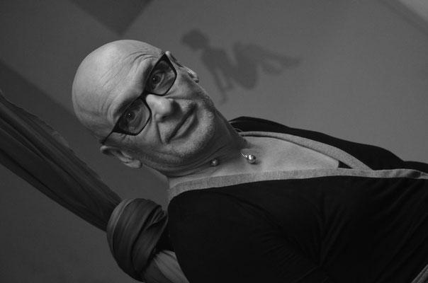 Porträt Mann,  schwarz-weiß,  Lady-Sahmara-Photo - Kerstin Ellinghoven/Samara Blue - Fotografin in Krefeld