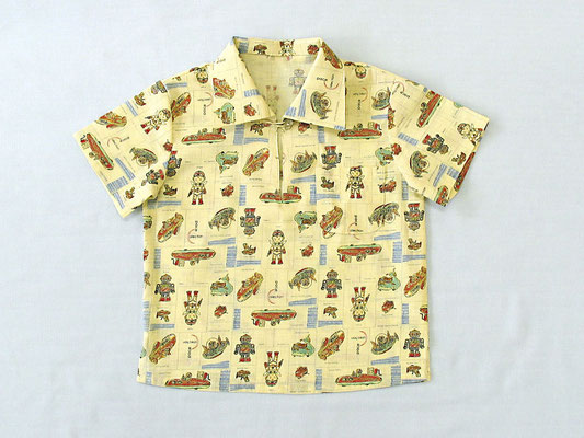 男の子のシャツ