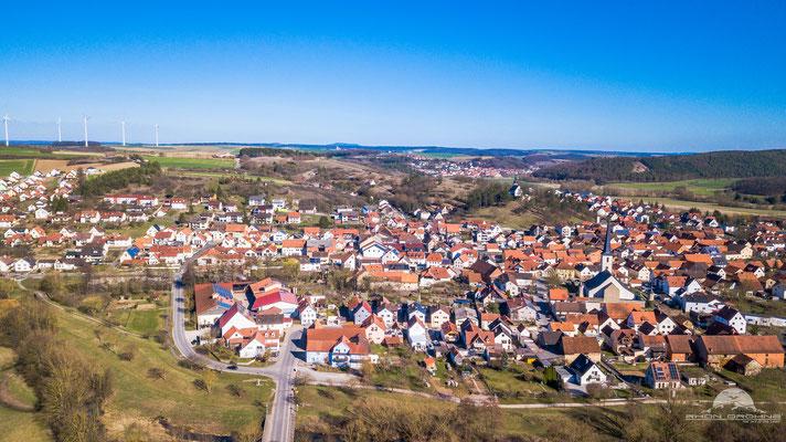 Heustreu - in der Region auch beliebt für seinen einzigartigen Faschingsumzug