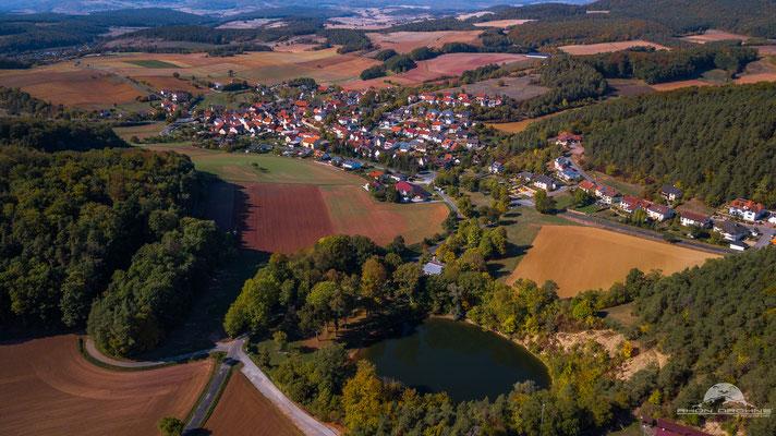 Frickenhausen mit See