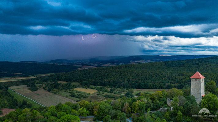 Die Lichtenburg kurz vor dem Gewitter