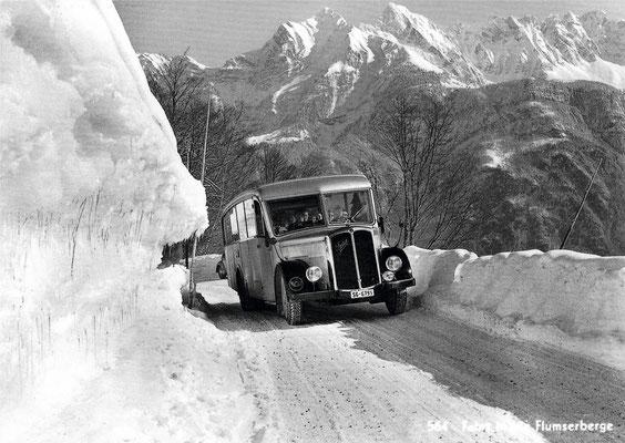 Saurer Postauto 1952 (Foto A. Steinemann, Tannenbodenalp)