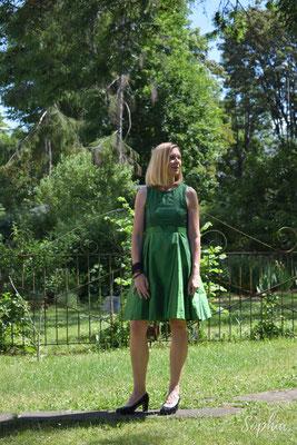 Festkleid mit Pünktchentüll und smaragdgrüner Dupionseide